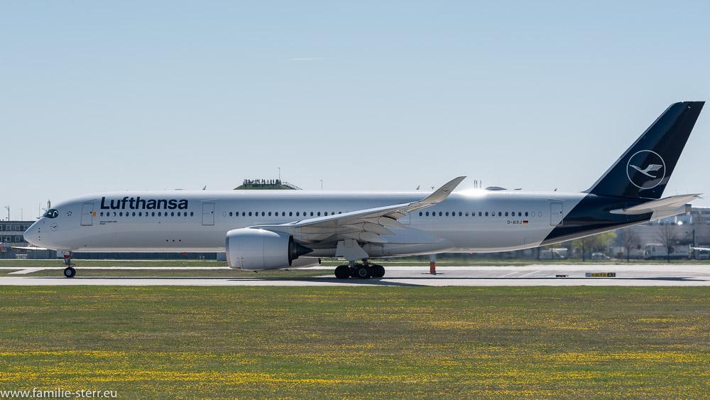 LH Airbus A350 D-AIXJ beim Start in München