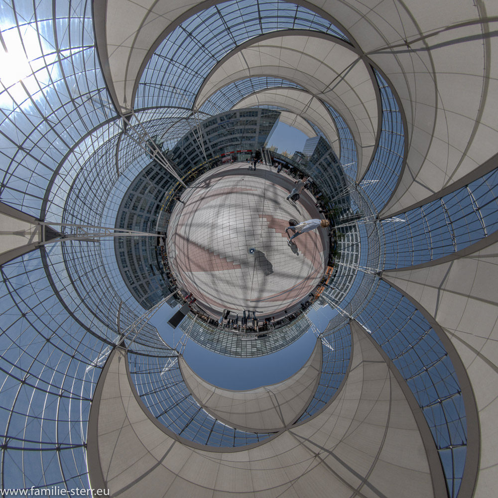 Munich Airport Center MAC als Little Planet