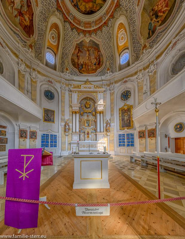 Altarraum und Hochaltar der Wieskirche bei Freising