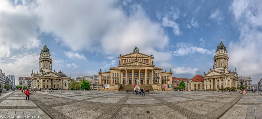 Panoramaaufnahme des Berliner Gendarmenmarktes
