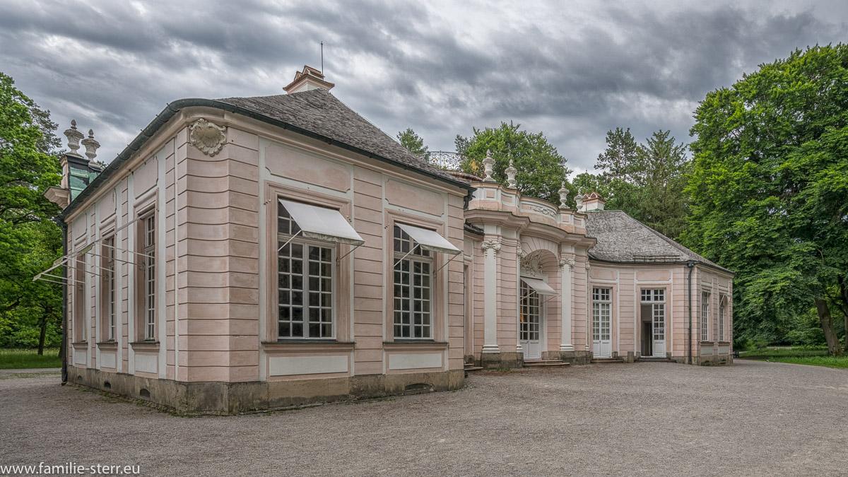 Westfassade der Amalienburg im südlichen Teil des Park am Schloss Nymphenburg
