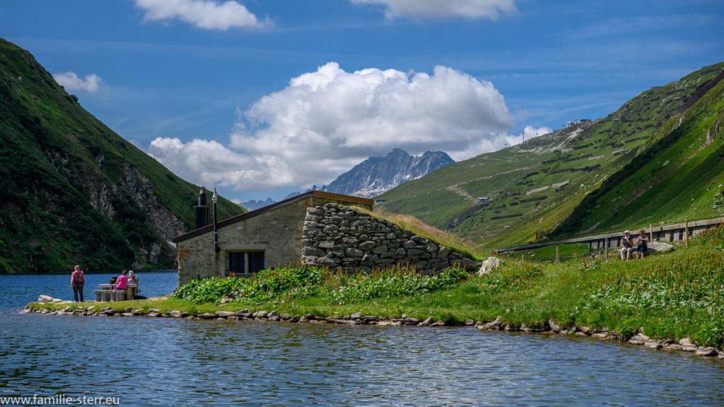 Hütte am Oberalpsee / Kanton Uri
