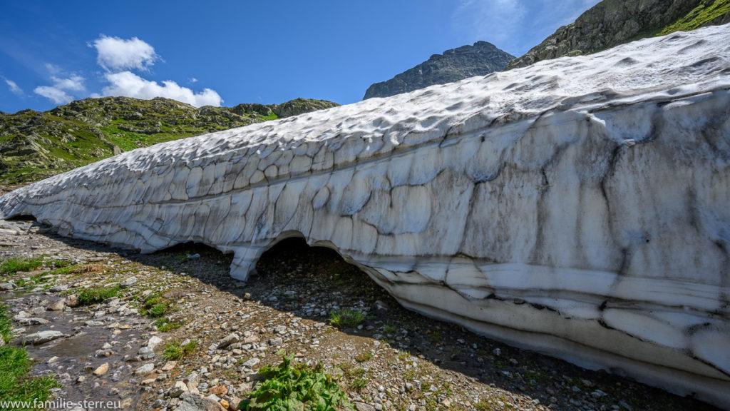 Rand des Sustengletscher am Sustenpass
