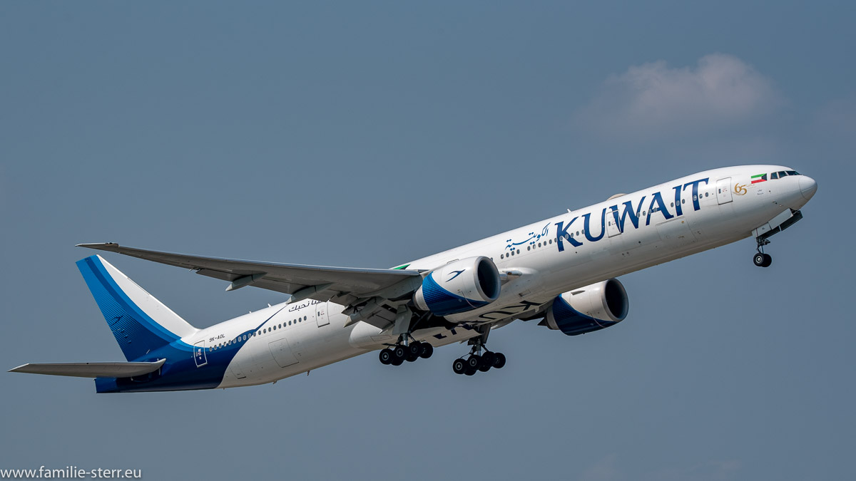 Boeing B777-369(ER) Kowait Airways