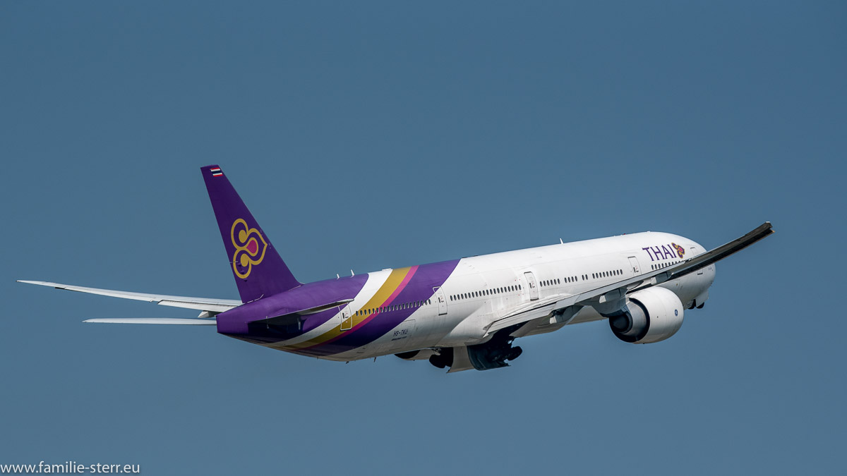 Boeing B777-3D7(ER) Thai Airways