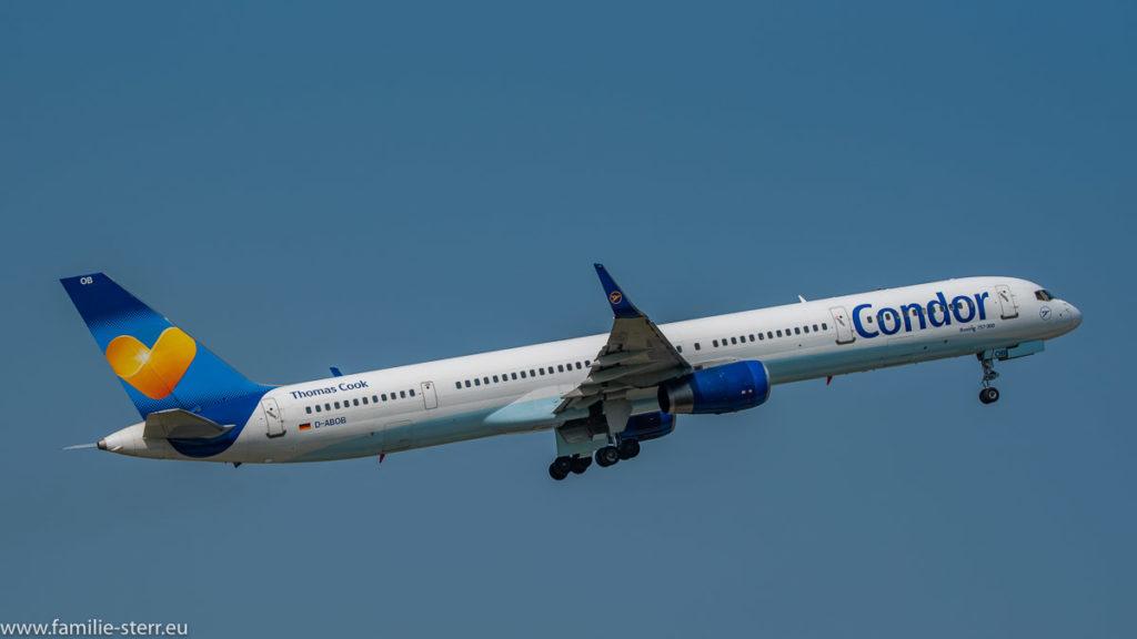 Boeing B757-330(WL) Condor