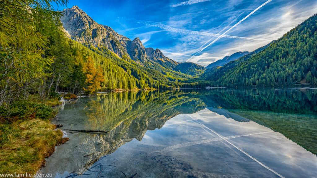 Herbststimmung an einem sonnigen Tag am Anhtolzer See