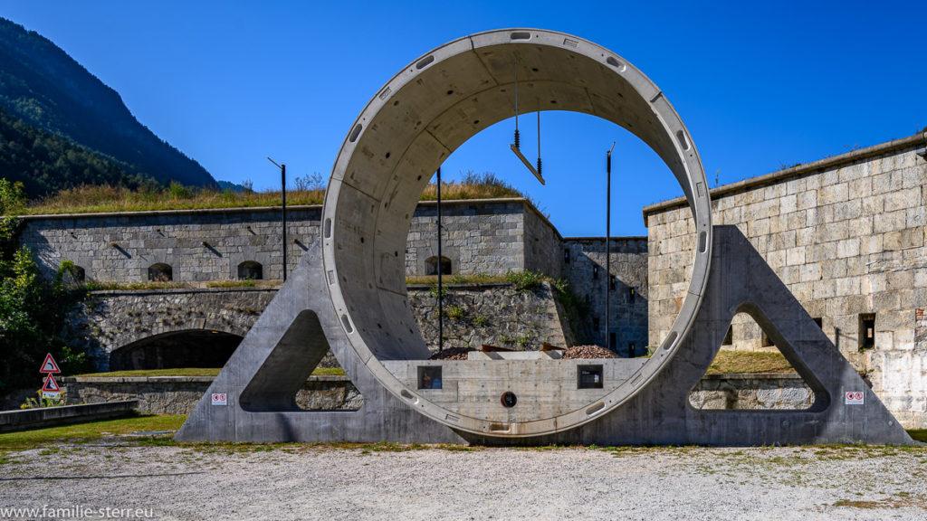 Modell der Tunnelröhre des Brenner - Basistunnels an der Franzensfest