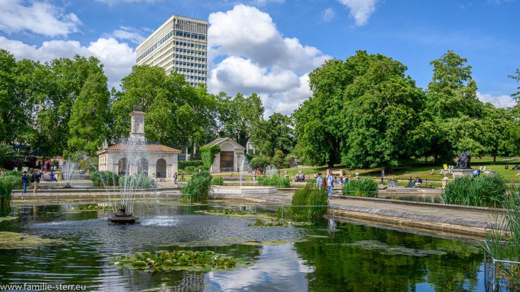 Italian Garden / Hyde Park / London