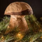geschnitzter Pilz als Adventsdeko