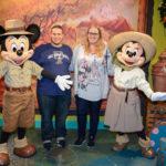 Katharina und Daniel mit Mickey und Minnie
