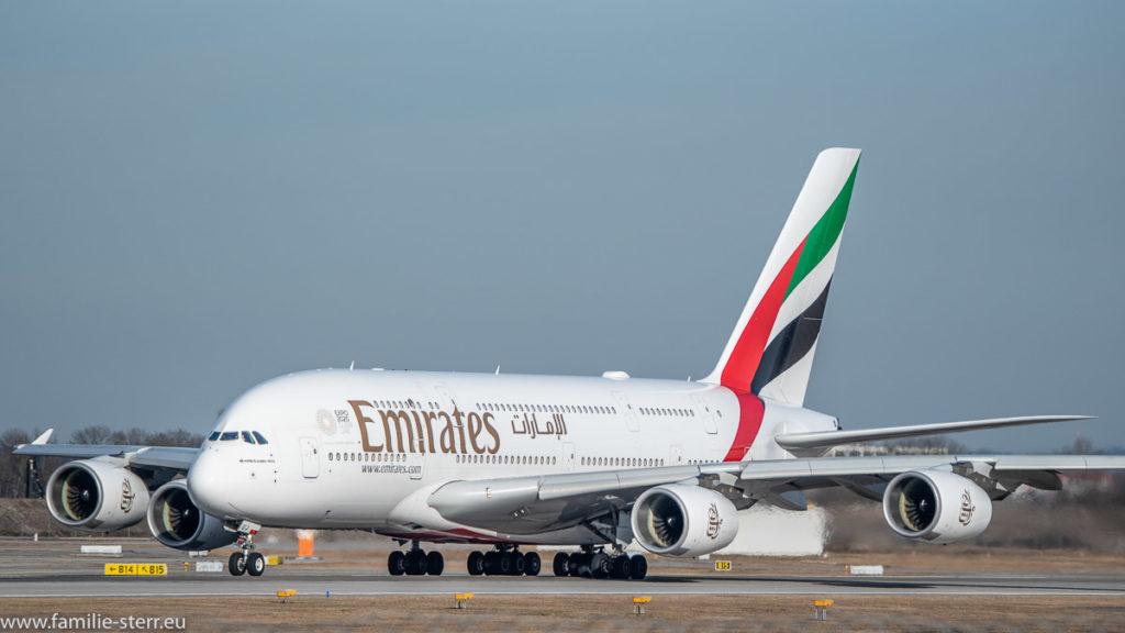 Airbus A380 beim Start auf der südlichen Startbahn am Flughafen München