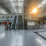 Das Lufthansa - Star Alliance Terminal 2 ohne Passagiere wegen der Corona - Pandemie