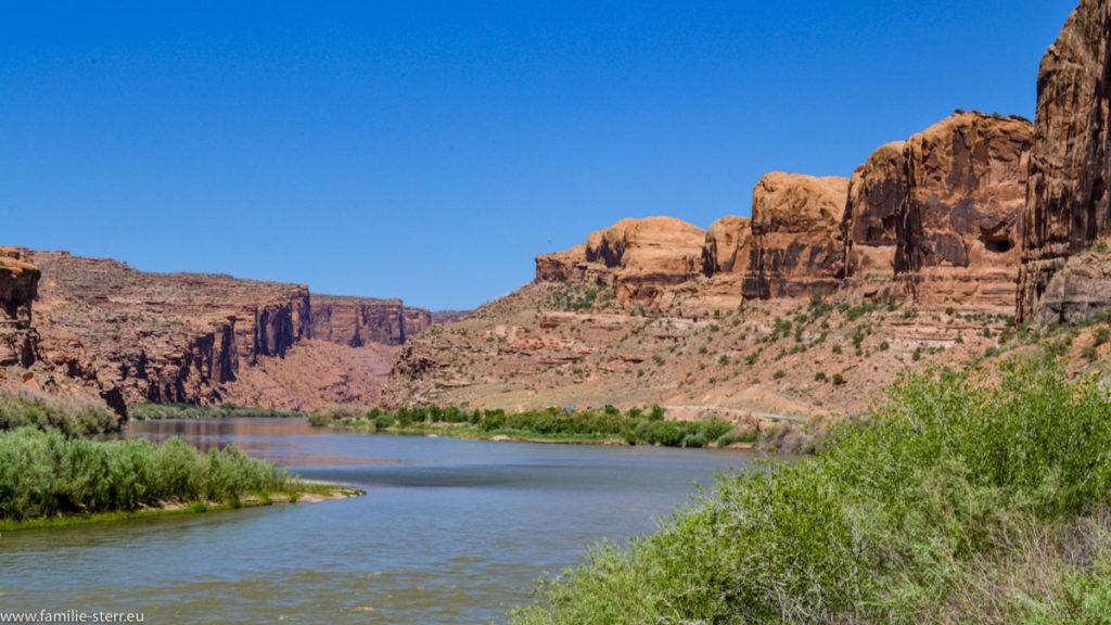 der Colorado River am Südrand des Arches National Park in Utah