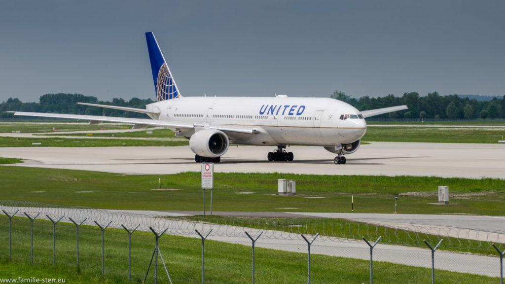 United B777 in MUC