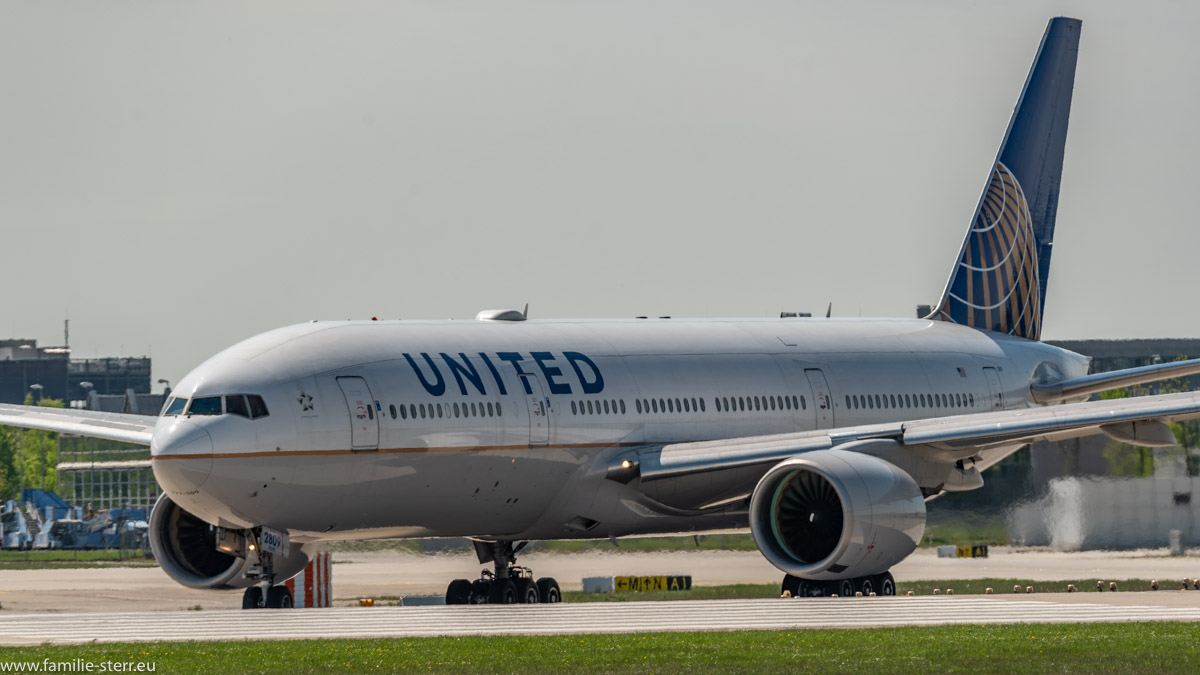 United B777 in MUC