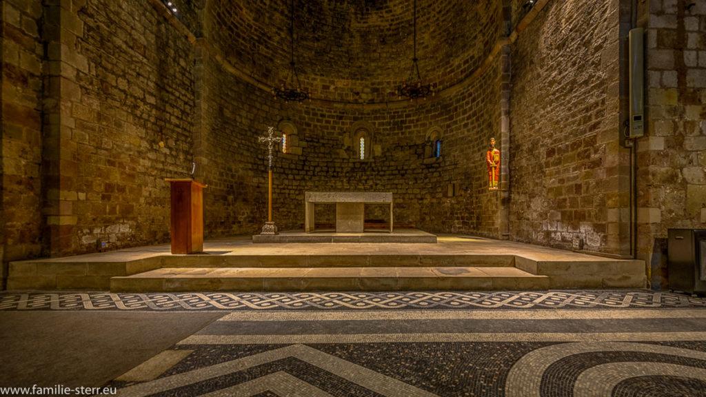 Altarraum der Klosterkirche Sant Pau del Camp in Barcelona
