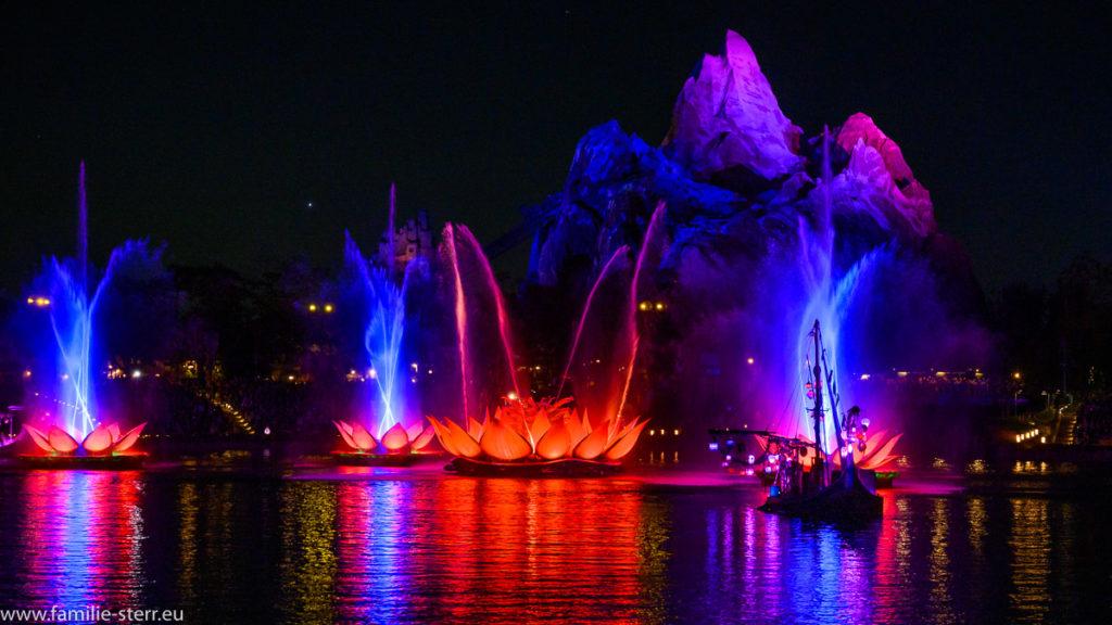 Rivers of Light - Show vor der Kulisse der Expedition Everest im Animal Kingdom in Florida