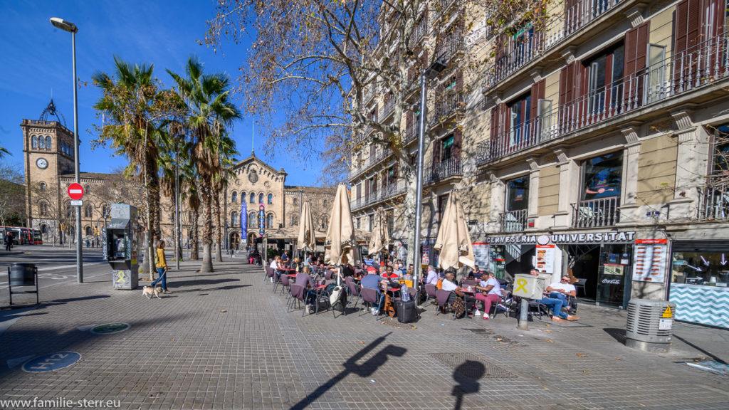 Biergarten bei der Universität Barcelona
