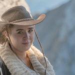 Melanie mit Cowboy - Hut beim Kehlsteinhaus in den Berchtesgadener Alpen