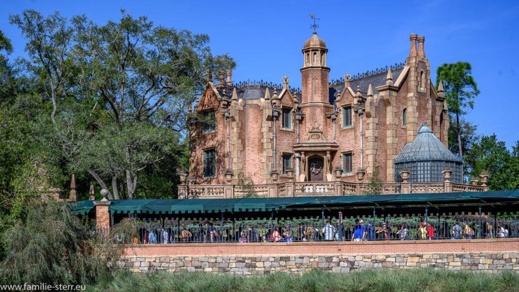 Außensnicht der Haunted Mansion im Magic Kingdom / Disneyworld / Florida