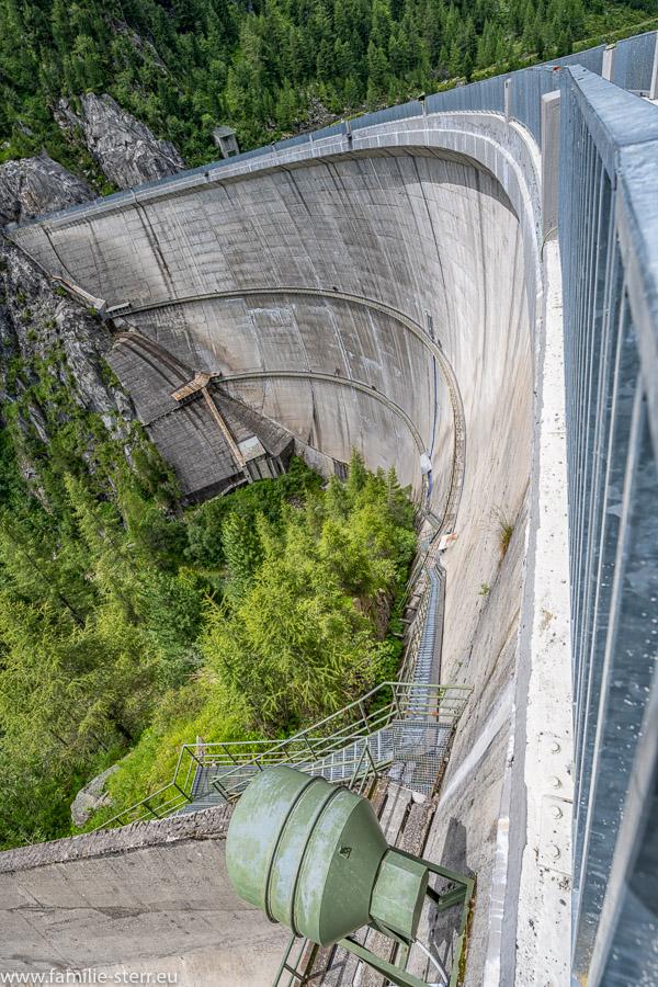 Inspektionsgänge am Neves - Staudamm in Südtirol