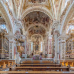 Hauptschiff der Basilika Mariä Himmelfahrt im Barockstil, Kloster Neustift bei Brixen, Südtirol