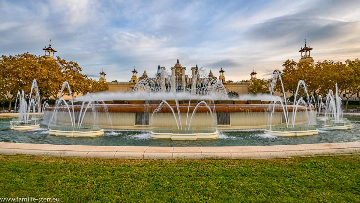 Font Magica am Fuße des Montjuïc in Barcelona unterhalb des Museu Nacional d'Art de Catalunya / Kunstmuseum Barcelona