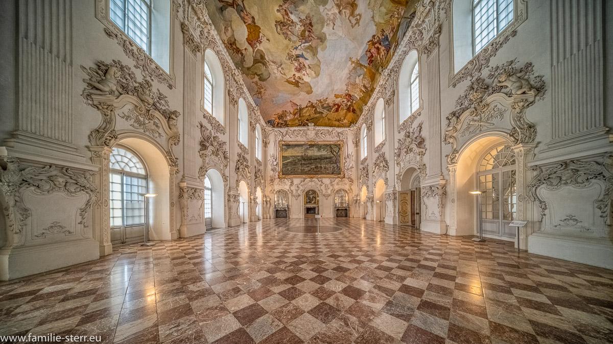 Der Große Saal im Schloss Schleissheim bei München mit Blick in Richtung Viktoriensaal