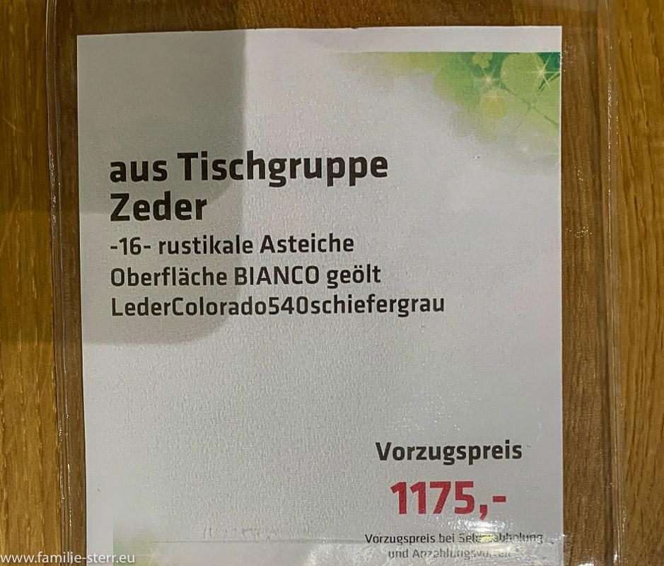 ein Preisschild an einem Möbelstück mit einem unglaublich günstigen Preis nach Rabatt