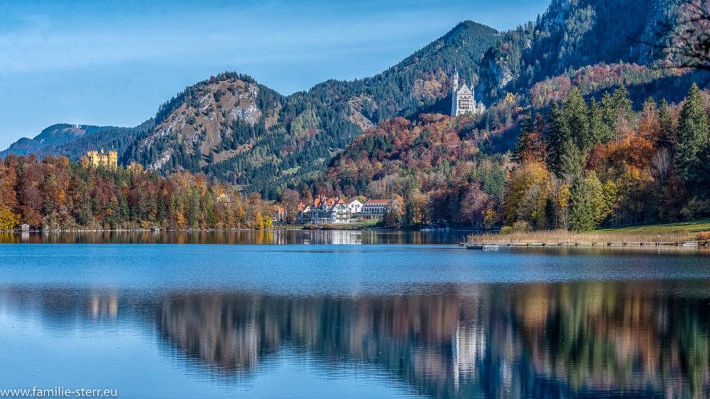 Blick über den Alpsee in Richtung Neuschwanstein und Schloss Hohenschwangau