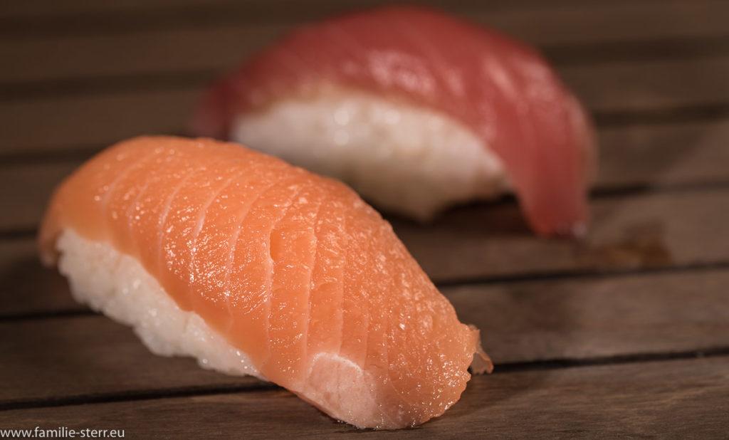 Sushi - Nigri mit Lachs und Thunfisch