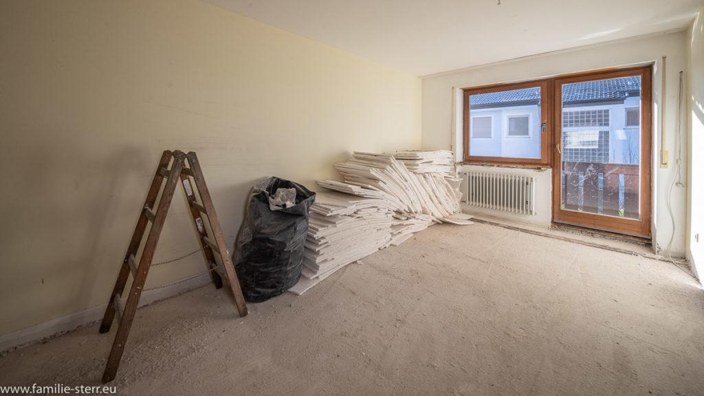 Schlafzimmer mit Styroporplatten