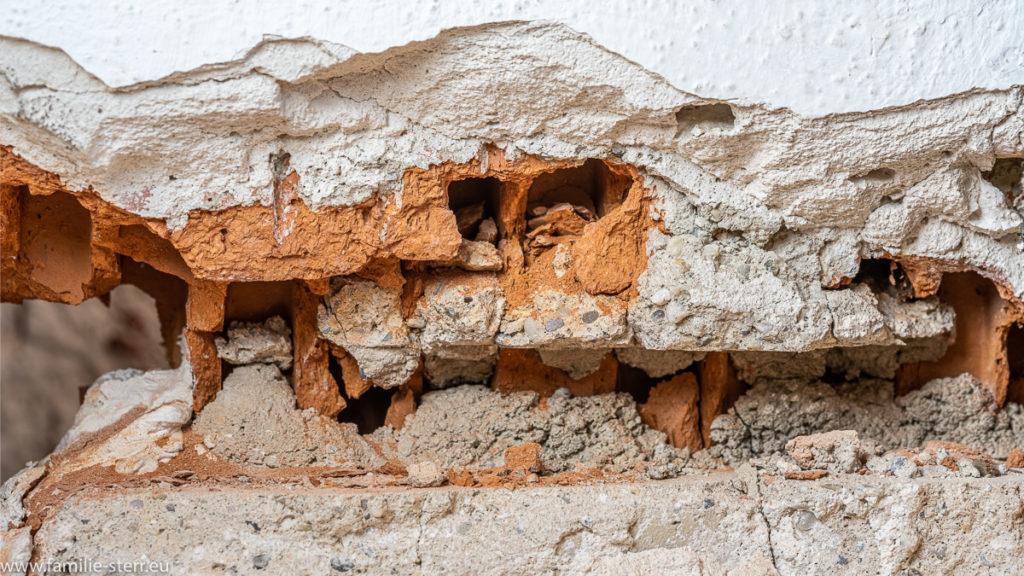 Mauer am Wohnzimmerfenster