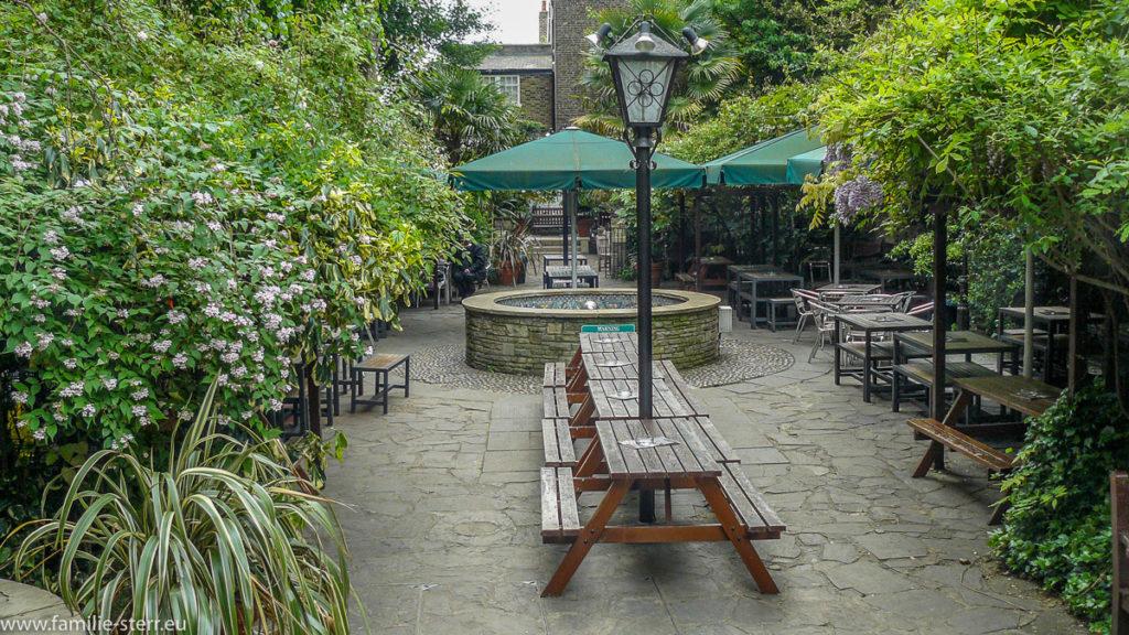 Henry J. Bean's Beer Garden / London