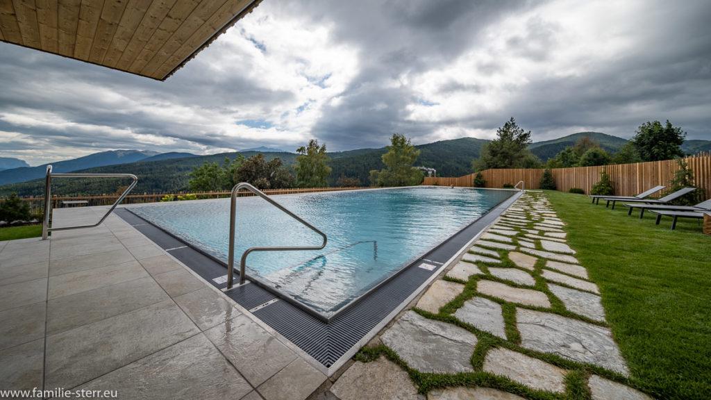 Pool im Spa vom Tratterhof in Maransen