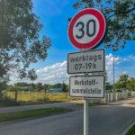 """Schild einer """"Werkstoffsammelstelle"""""""