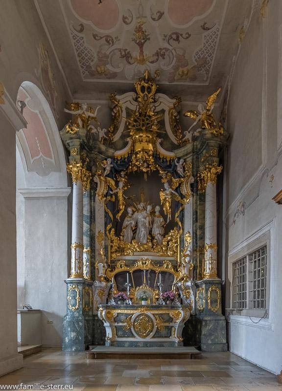 Benediktusaltar in der Kirche der Benediktinerabtei Plankstetten