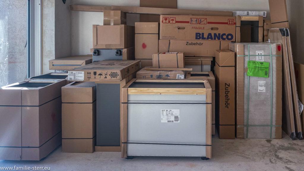 Küchenzeile in Transportverpackung